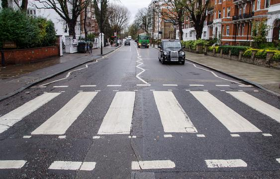 Die Abbey Road in London. (Bild: Pixabay/Rudy und Peter Skitterians)